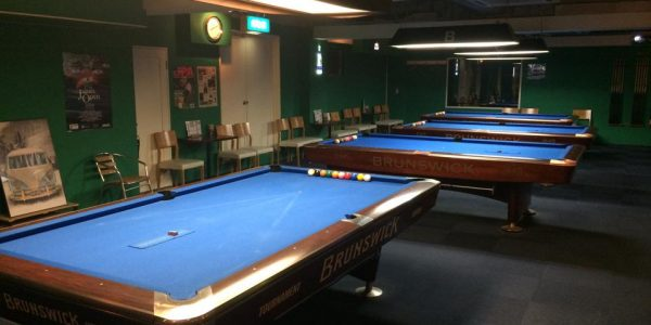 Pool & Darts Cafe side (サイド) 店内